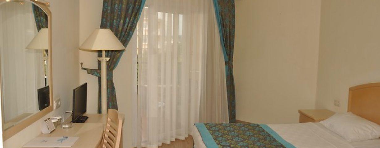 Aska-Inn-Justin-Beach-Oda-263785