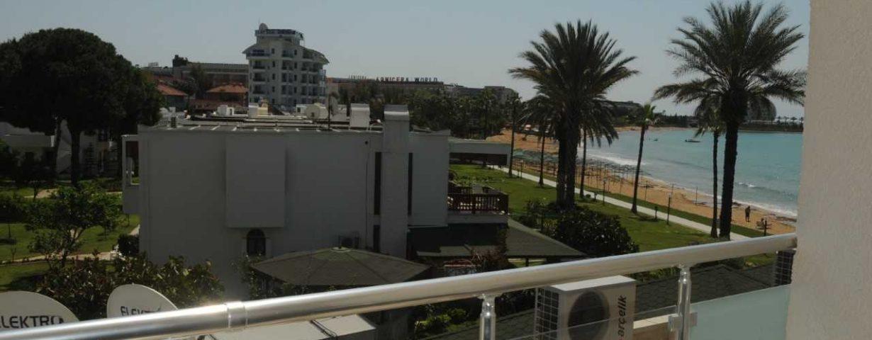 Aska-Inn-Justin-Beach-Oda-275956