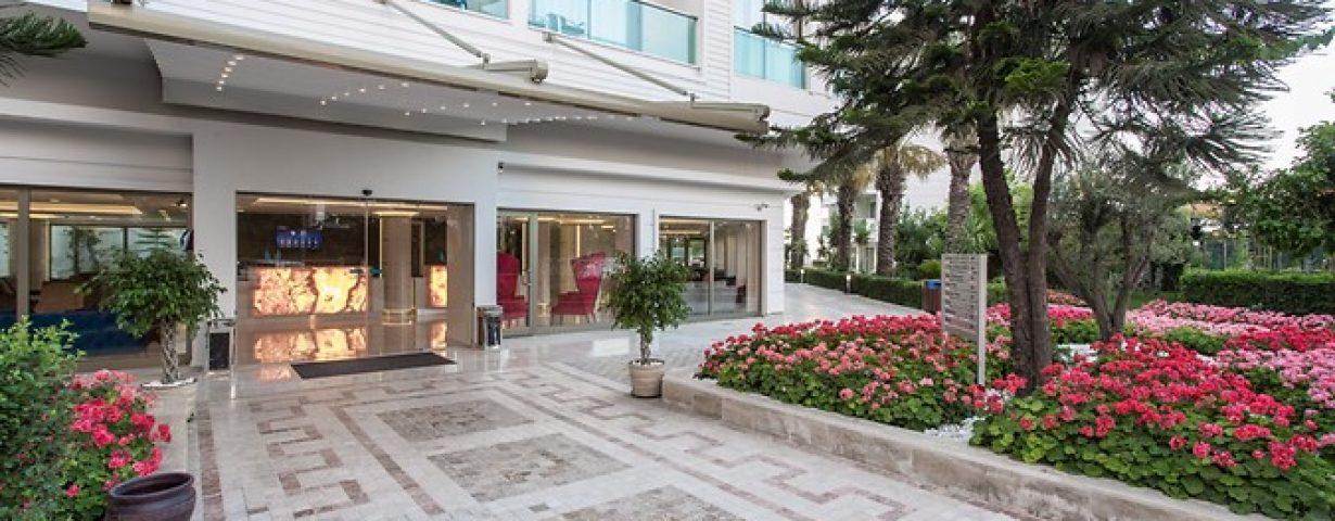 Club-Hotel-Falcon-Genel-141850