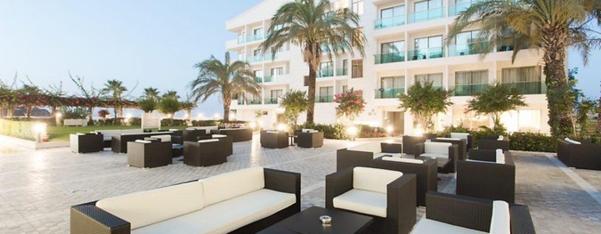 Club-Hotel-Falcon-Genel-141855