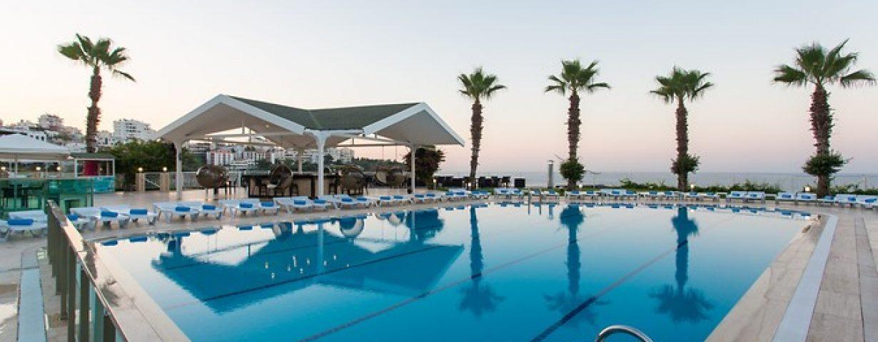 Club-Hotel-Falcon-Genel-141857