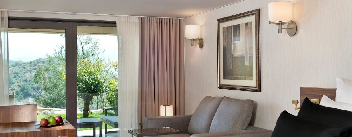 D-Hotel_Maris_Superior_Mountain_View_Room_jpeg
