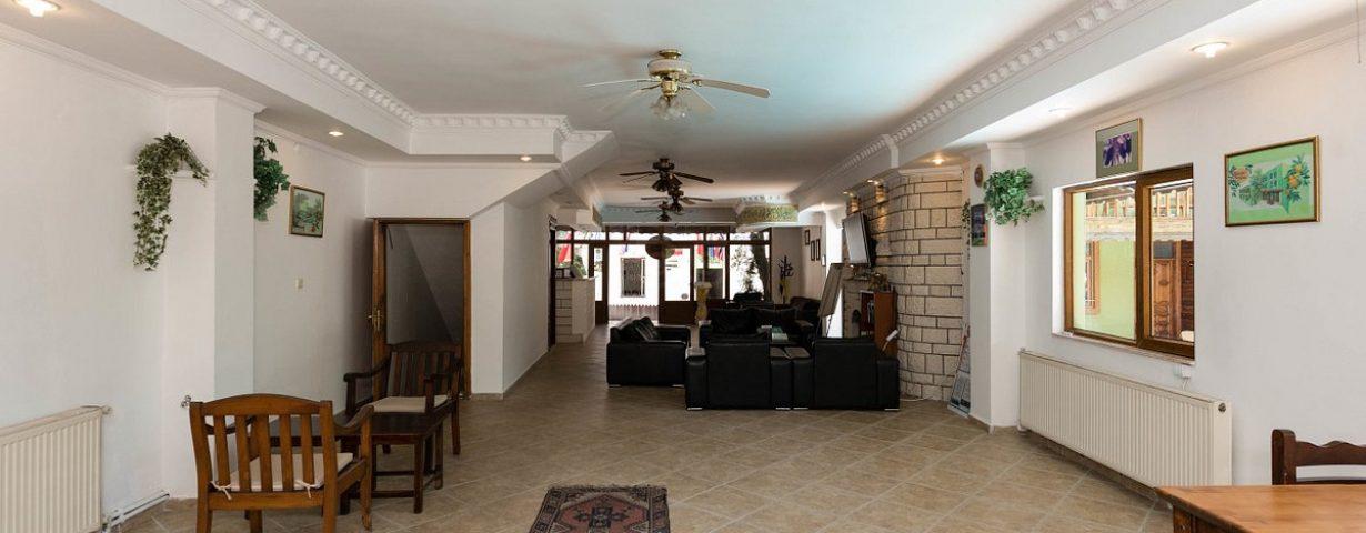 lobby--v13194991
