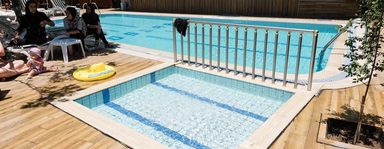 pool--v13194988